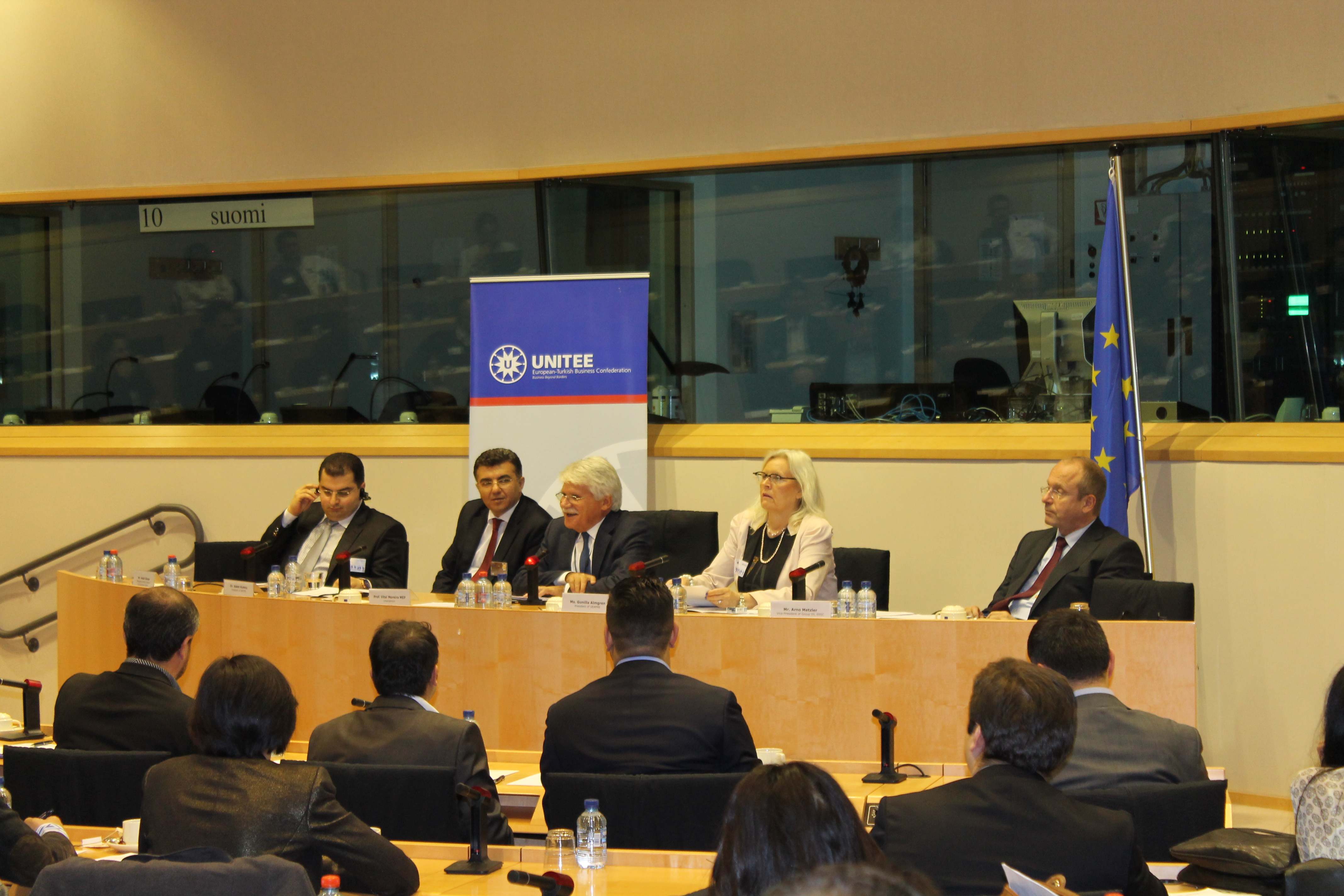 2012-12-08_Conference on New European SMEs hosted by MEP V.MOREIRA (2)