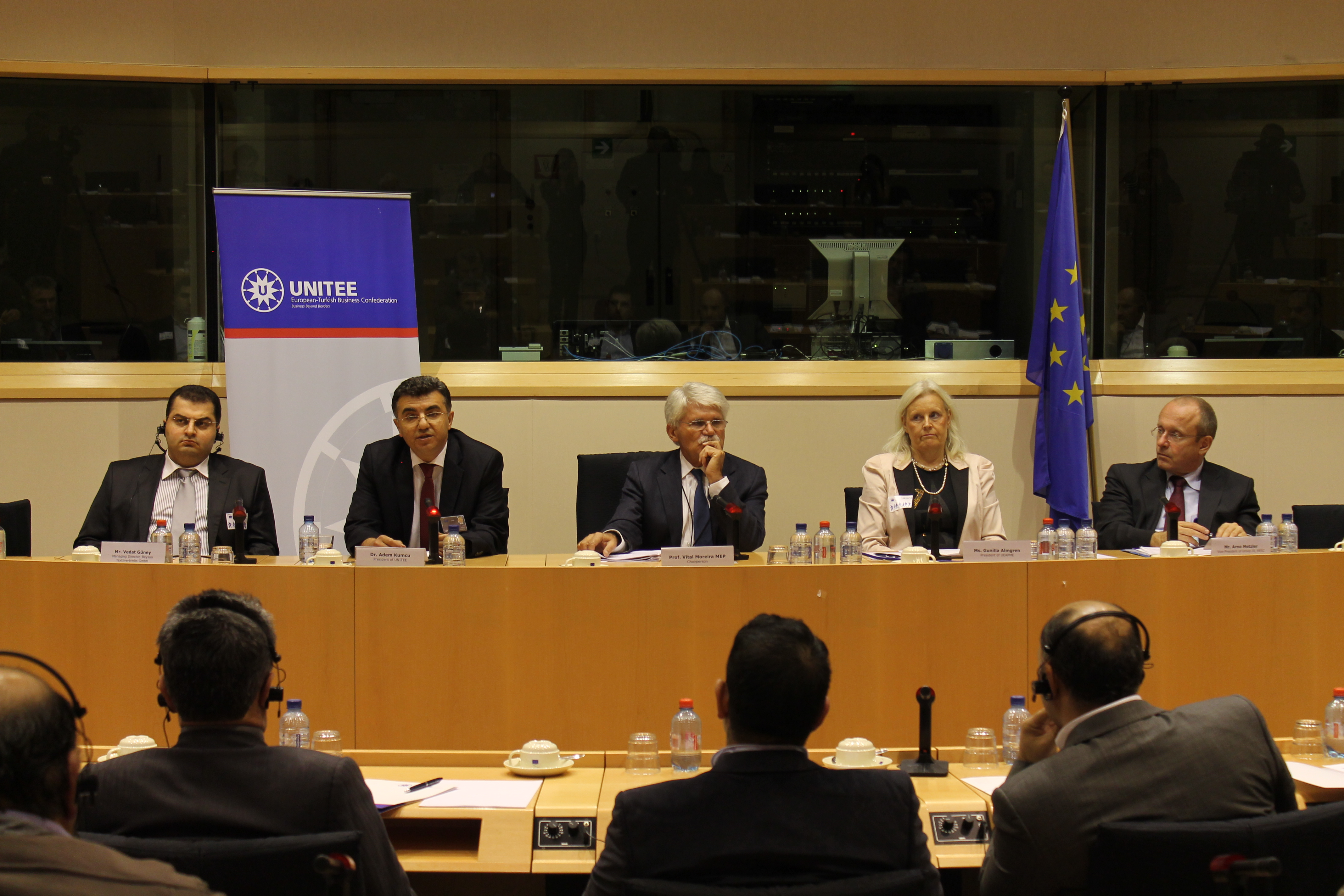 2012-12-08_Conference on New European SMEs hosted by MEP V.MOREIRA (3)