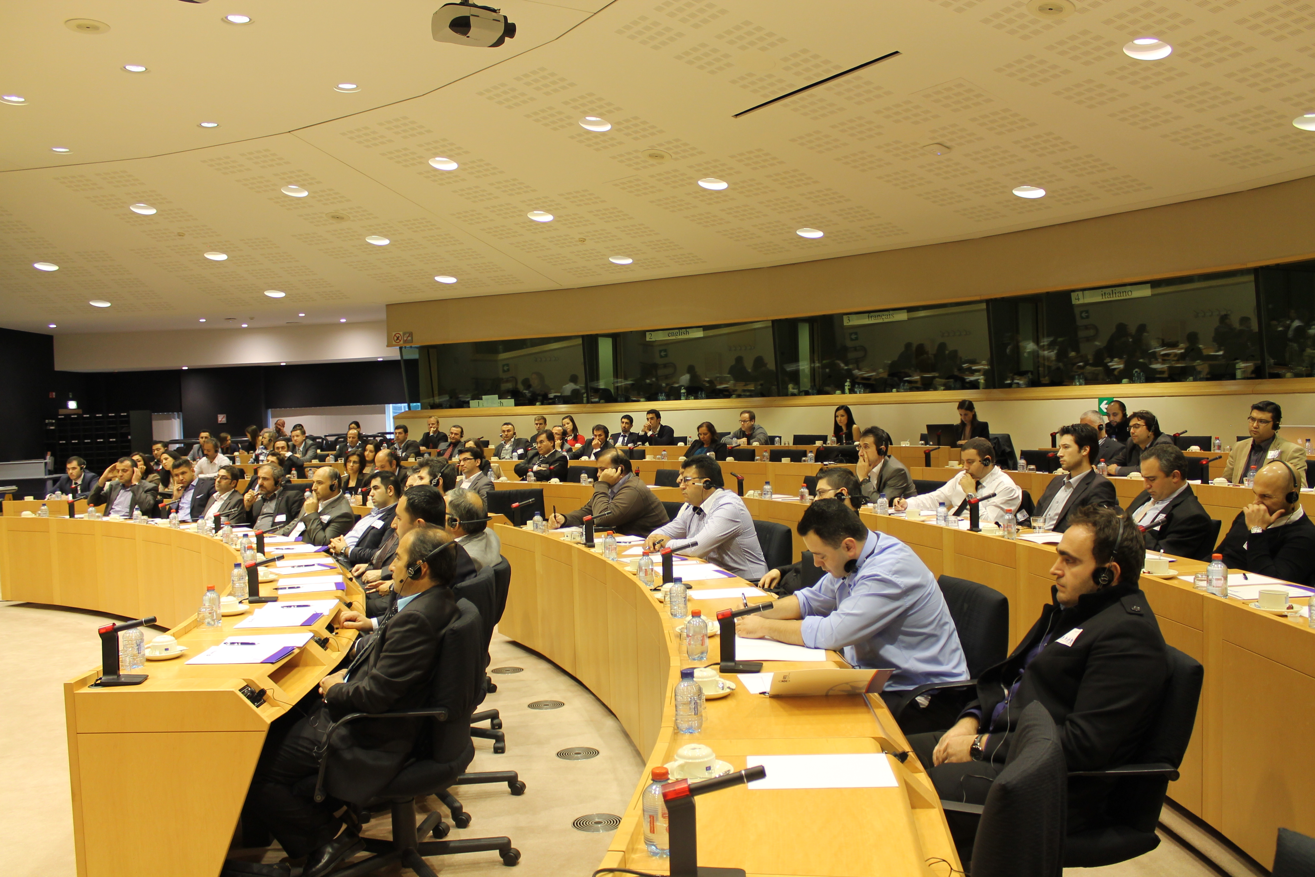2012-12-08_Conference on New European SMEs hosted by MEP V.MOREIRA (6)